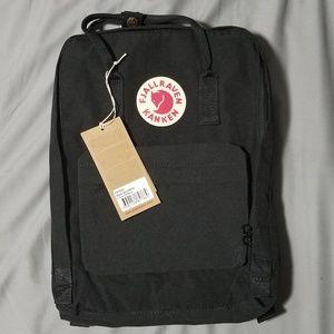 Fjallraven Kanken Backpack Black 16L Classic